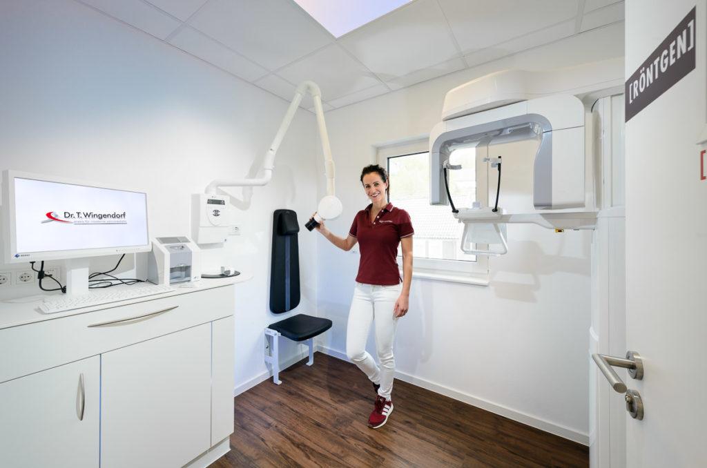 Röntgenraum —Zahnarztpraxis Dr. Thomas Wingendorf Grevenbrück. Foto Dietrich Hackenberg - www.lichtbild.org